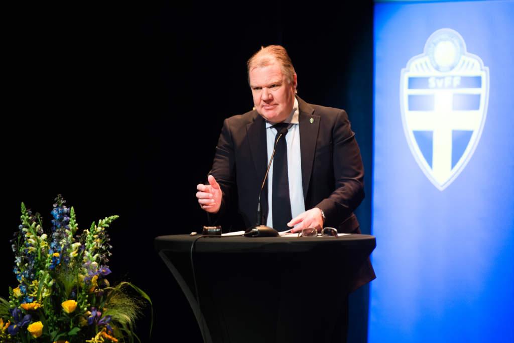 Karl-Erik Nilsson, ordförande.